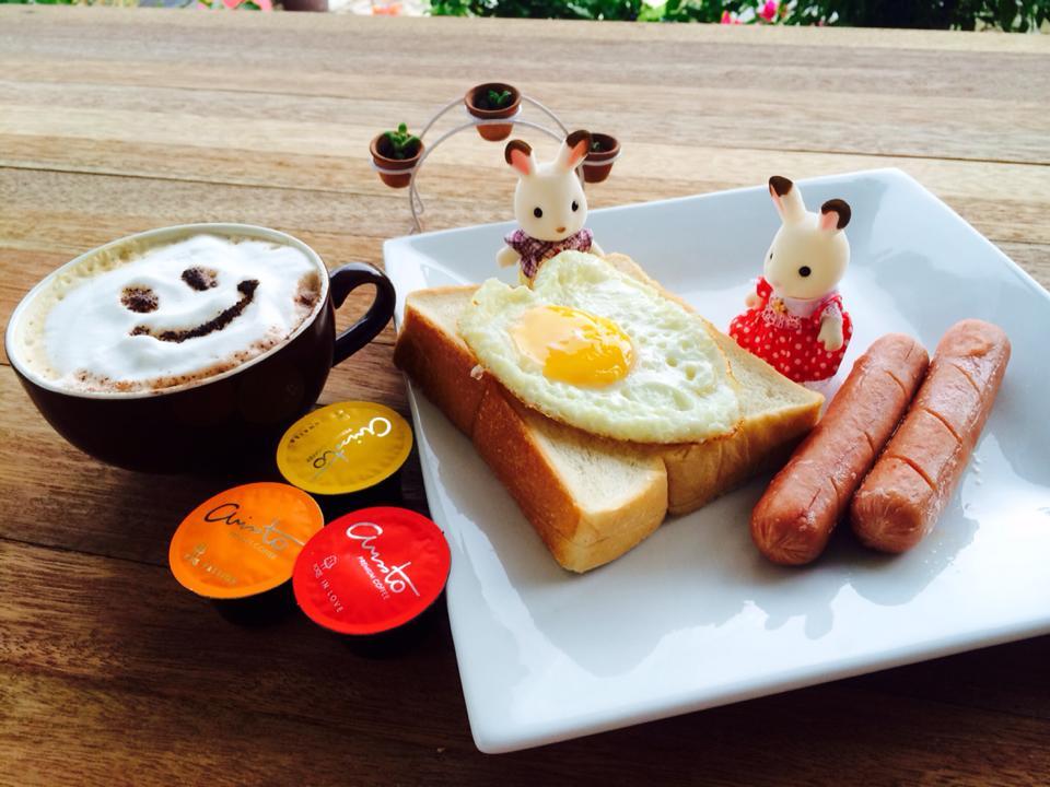 我的幸福早餐:心形鸡蛋
