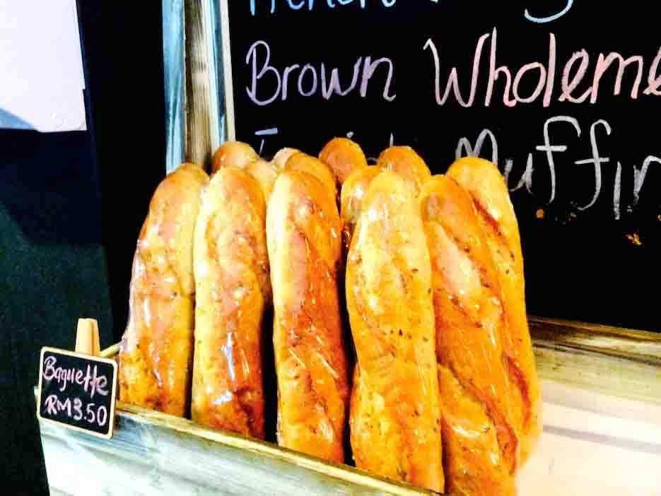 幸福的国度: 新鲜出炉的长棍面包 BiBis Fashion Cafe Bagutte