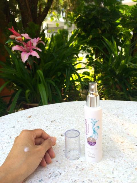 MU Essential 三度水凝霜 : 我的肌肤开始懂得喝水了!