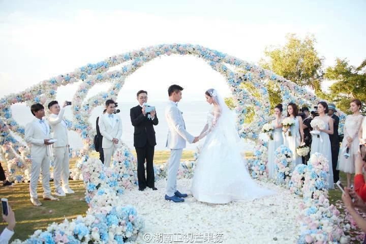 吳奇隆,劉詩詩世紀花海婚禮:在最好的時候,遇見了最好的你。