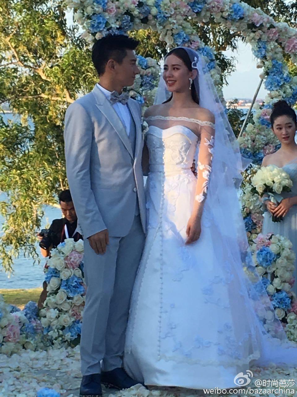 吳奇隆,劉詩詩世紀花海婚禮:在最好的時候,遇見了最好的你。 照片轉載自時尚芭莎
